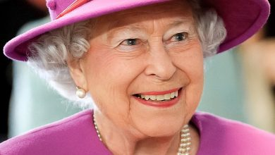 Photo of The Queen has gone fur-free